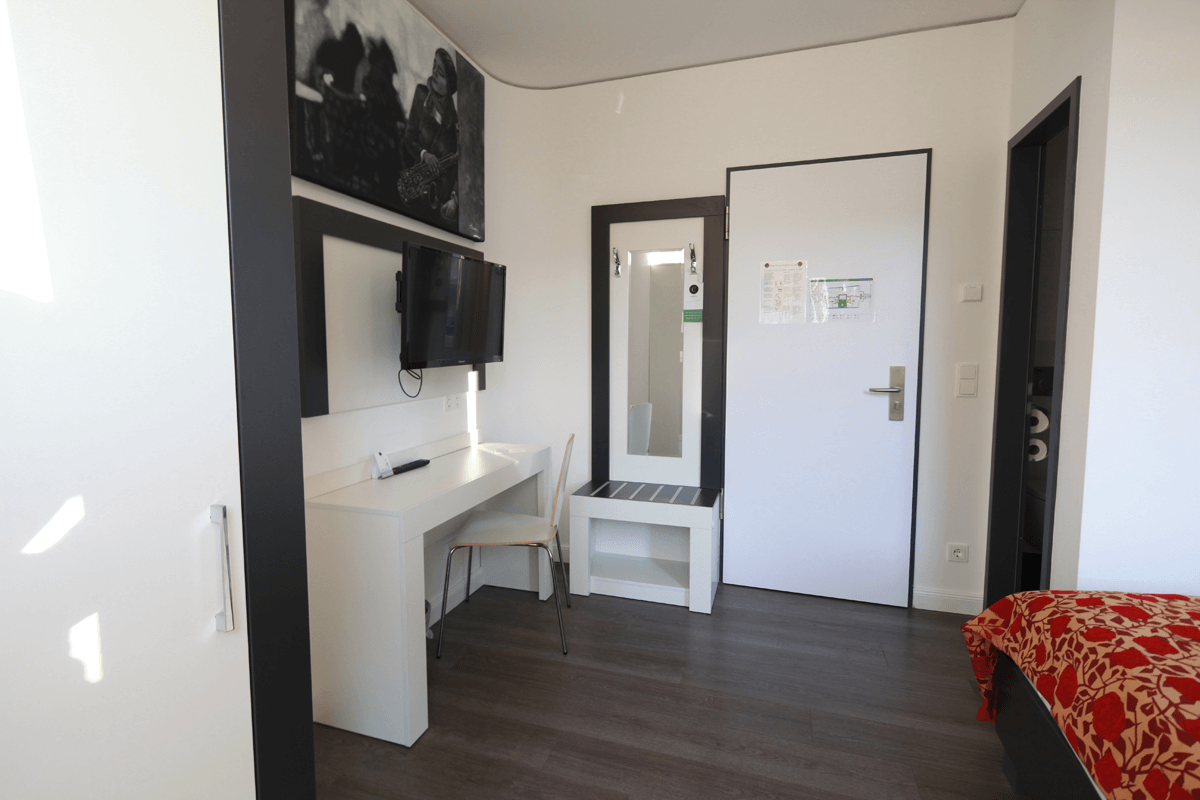 Pokoj hotelowy, meble, toaletka