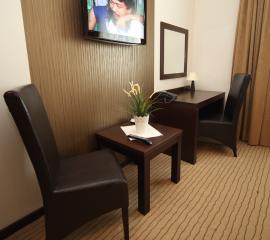 Stolik kawowy, toaletka, lustro system Ibiza, meble dla hotelu Klimczak